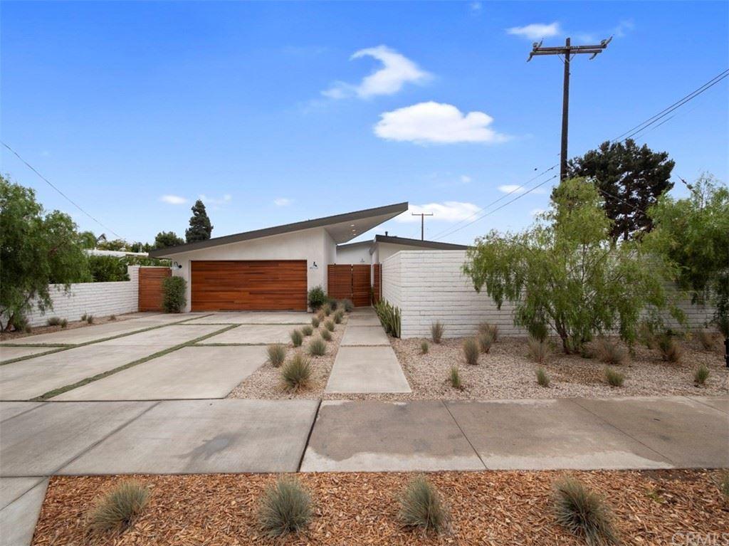 Photo of 2176 Santa Ana Avenue, Costa Mesa, CA 92627 (MLS # LG21226033)