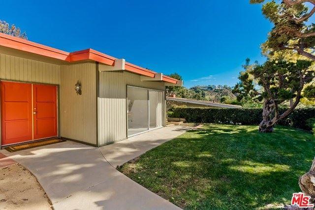 Photo of 1264 Bienveneda Avenue, Pacific Palisades, CA 90272 (MLS # 21697034)