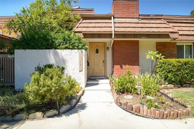 Photo for 10421 Larwin Avenue, Chatsworth, CA 91311 (MLS # SR20193034)