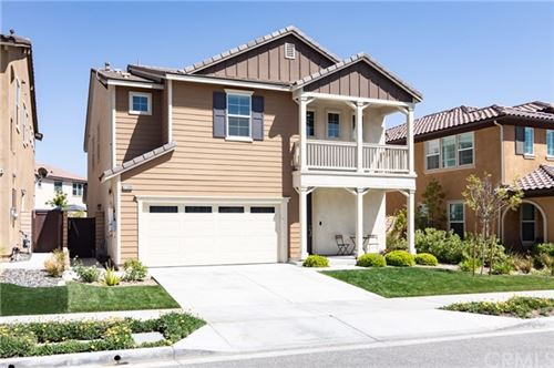 Photo of 27320 Ardella Place, Saugus, CA 91350 (MLS # AR21102035)