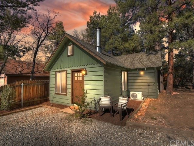 425 San Bernardino Avenue, Sugarloaf, CA 92386 - MLS#: EV21098035