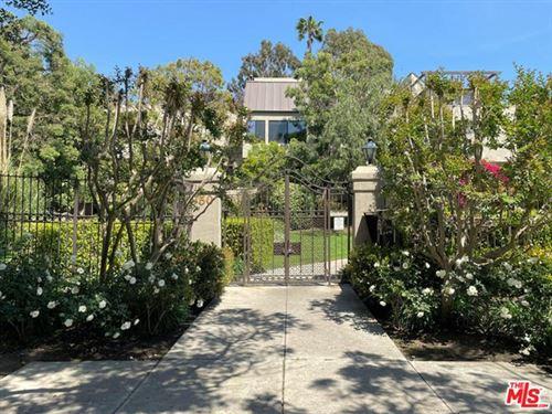 Photo of 950 N Kings Road #113, West Hollywood, CA 90069 (MLS # 21730036)