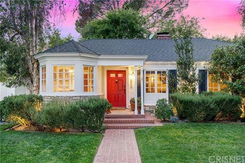 Photo of 4825 Carpenter Avenue, Valley Village, CA 91607 (MLS # SR21082036)