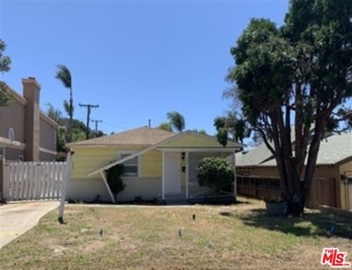 Photo of 908 Rosecrans Avenue, Manhattan Beach, CA 90266 (MLS # 21687038)