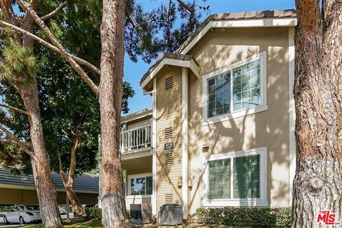 Photo of 8715 Weybridge Place #L, Inglewood, CA 90305 (MLS # 21778038)