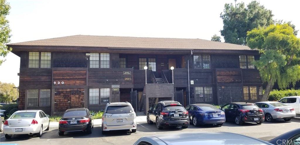 Photo of 950 W 17th Street #D, Santa Ana, CA 92706 (MLS # IG21168038)
