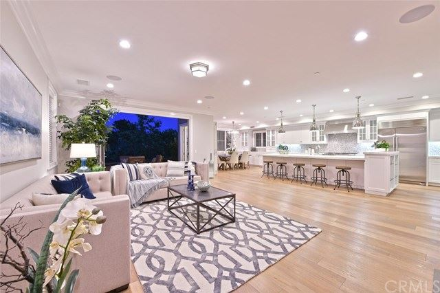 Photo for 6 Summer House Lane, Newport Beach, CA 92660 (MLS # OC19164039)