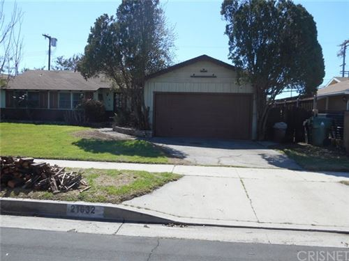 Photo of 21632 Blackhawk Street, Chatsworth, CA 91311 (MLS # SR21066040)