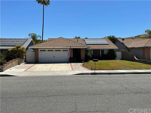 Photo of 28266 Alaminos Drive, Saugus, CA 91350 (MLS # SR21127040)
