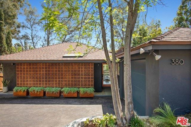 Photo of 380 Tamarac Drive, Pasadena, CA 91105 (MLS # 21719040)