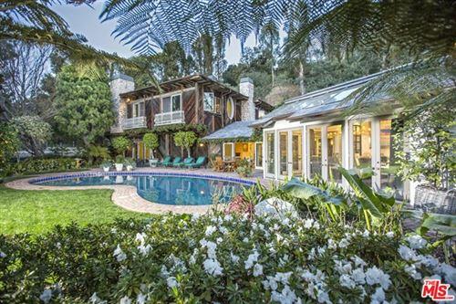 Photo of 9051 Briarcrest Lane, Beverly Hills, CA 90210 (MLS # 20598042)