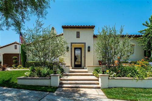 Photo of 26523 Oak Terrace Place, Valencia, CA 91381 (MLS # SR21159042)
