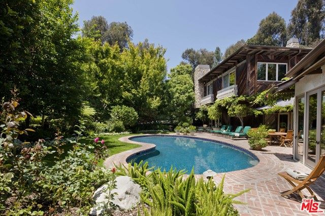 Photo of 9051 Briarcrest Lane, Beverly Hills, CA 90210 (MLS # 20598042)