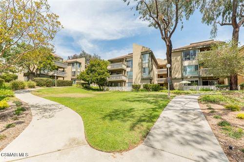Photo of 254 Sequoia Court #35, Thousand Oaks, CA 91360 (MLS # 221003043)
