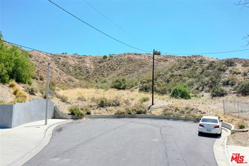 Photo of 0 Sierra Cross Avenue, Canyon Country, CA 91387 (MLS # 21731044)