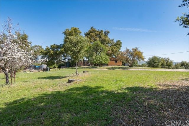 Photo of 1095 Bumble Bee Lane, Templeton, CA 93465 (MLS # NS21072045)