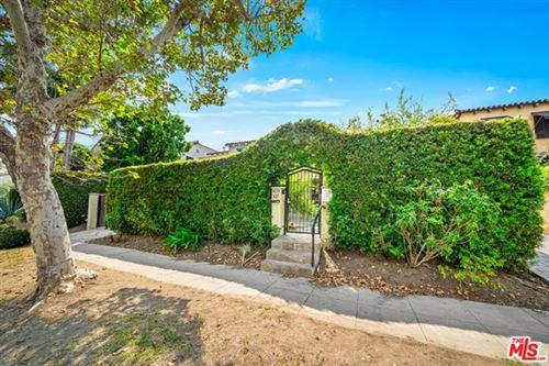 Photo of 425 N Orange Drive, Los Angeles, CA 90036 (MLS # 20623046)