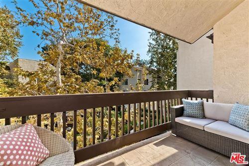 Photo of 5306 Summertime Lane, Culver City, CA 90230 (MLS # 21795046)