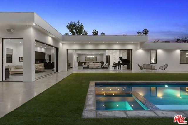 Photo of 410 Evelyn Place, Beverly Hills, CA 90210 (MLS # 21735046)