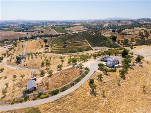 Photo of 676 Venice Road, Templeton, CA 93465 (MLS # SP20149047)