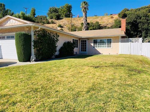 Photo of 22067 Caceras Street, Santa Clarita, CA 91350 (MLS # 530048)