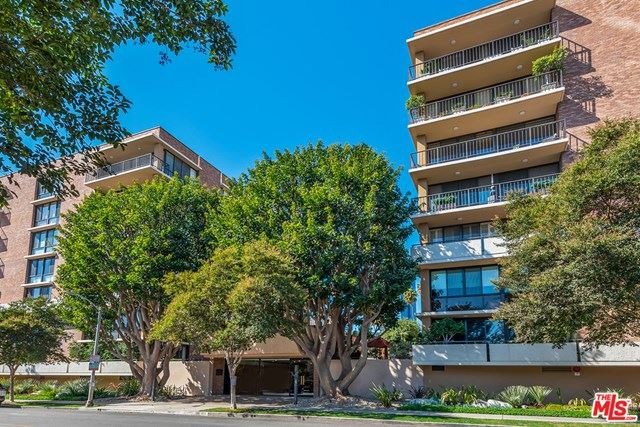 Photo for 211 S Spalding Drive #N301, Beverly Hills, CA 90212 (MLS # 21679048)