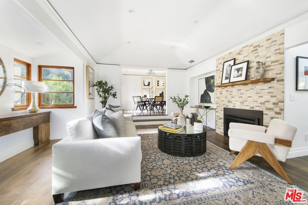 Photo of 2024 Benedict Canyon Drive, Beverly Hills, CA 90210 (MLS # 21762048)