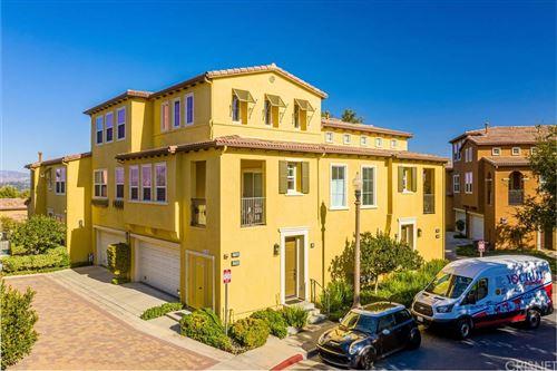 Photo of 27006 Pebble Beach Drive, Valencia, CA 91381 (MLS # SR21233049)