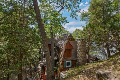 Photo of 28706 Palisades Drive, Lake Arrowhead, CA 92352 (MLS # EV21201050)