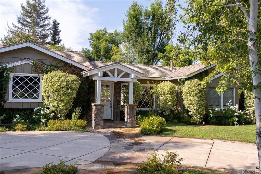 Photo for 19415 Collier Street, Tarzana, CA 91356 (MLS # SR21157050)