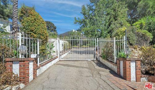 Photo of 7867 Woodrow Wilson Drive, Los Angeles, CA 90046 (MLS # 21781052)