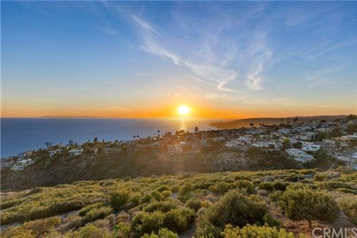 Photo of 865 Quivera Street, Laguna Beach, CA 92651 (MLS # OC21108052)