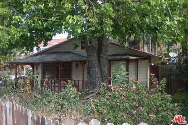 Photo of 3113 Paraiso Way, La Crescenta, CA 91214 (MLS # 21732052)