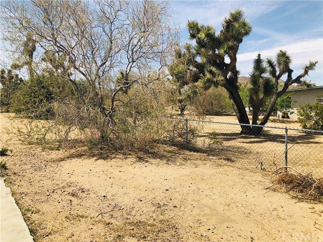 Photo of 6470 Ronald Drive, Yucca Valley, CA 92284 (MLS # IV21081052)
