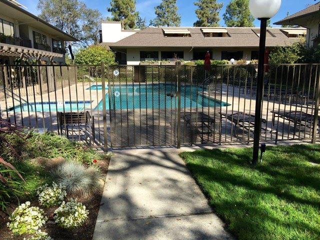 2140 Santa Cruz Avenue #D204, Menlo Park, CA 94025 - #: ML81819053