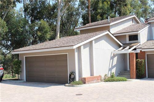 Photo of 6555 E Camino Vista #4, Anaheim Hills, CA 92807 (MLS # IG20200054)