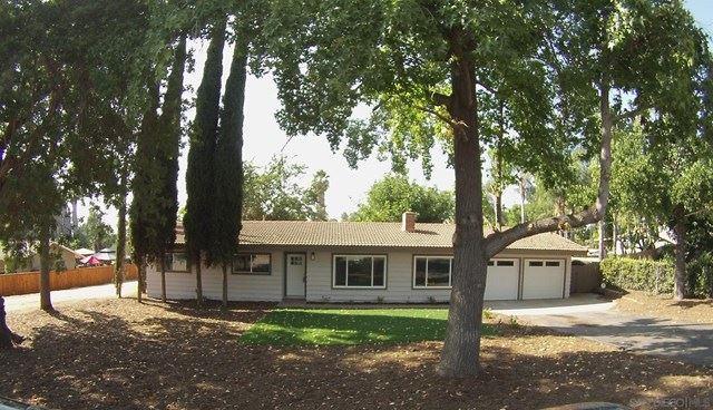 2141 Oro Verde Rd, Escondido, CA 92027 - MLS#: 200048054