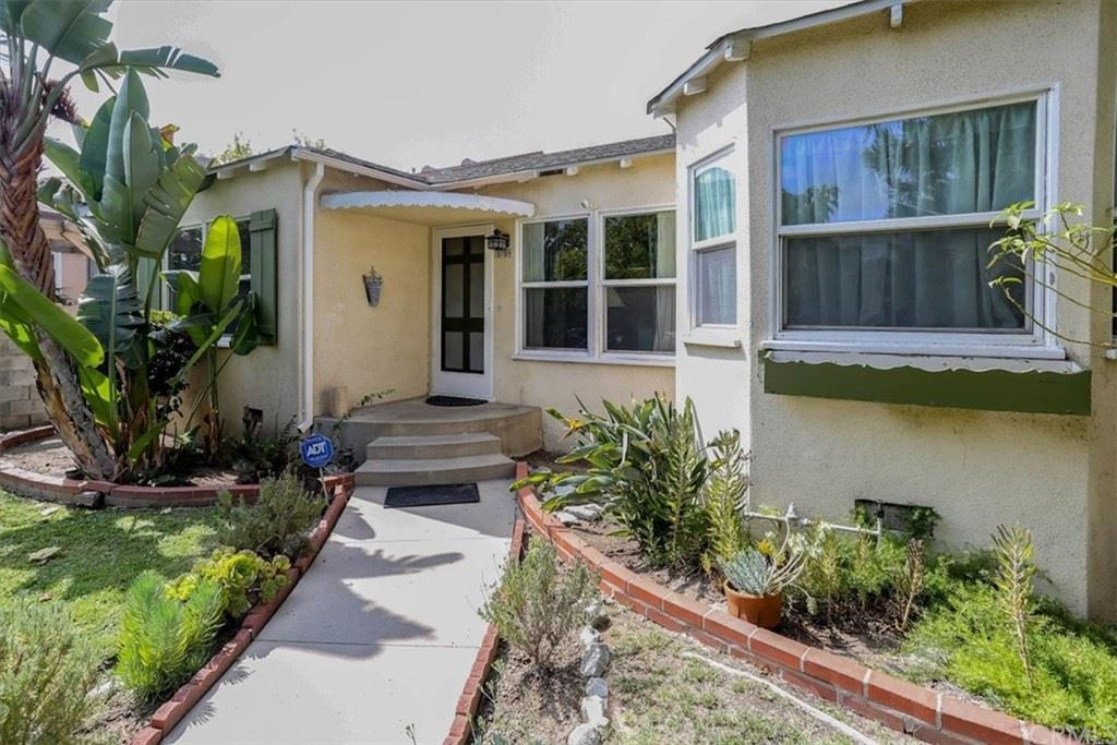 Photo of 5759 Troost Avenue, North Hollywood, CA 91601 (MLS # PI21224054)