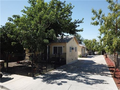 Photo of 2037 Oregon Street, Bakersfield, CA 93305 (MLS # IV20134055)