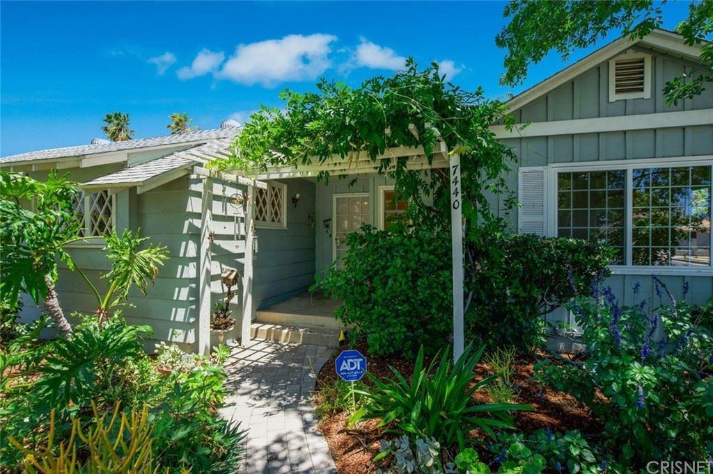 Photo of 7440 Vista Del Monte Avenue, Van Nuys, CA 91405 (MLS # SR21126055)