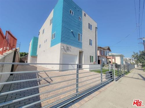 Photo of 1245 S Catalina Street, Los Angeles, CA 90006 (MLS # 21698056)