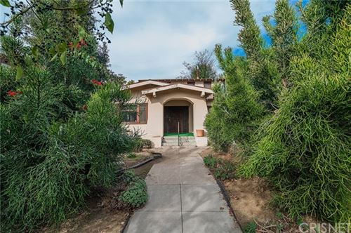 Photo of 969 Westchester Place, Hancock Park, CA 90019 (MLS # SR21009056)