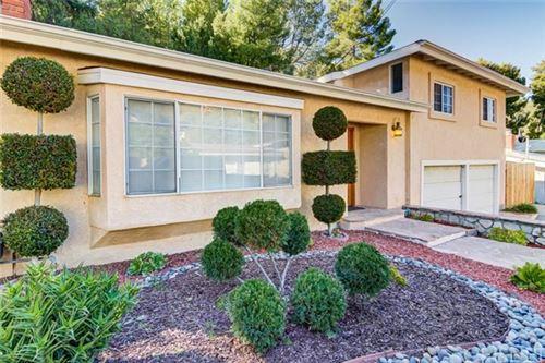 Photo of 4763 Excelente Drive, Woodland Hills, CA 91364 (MLS # SR21038056)