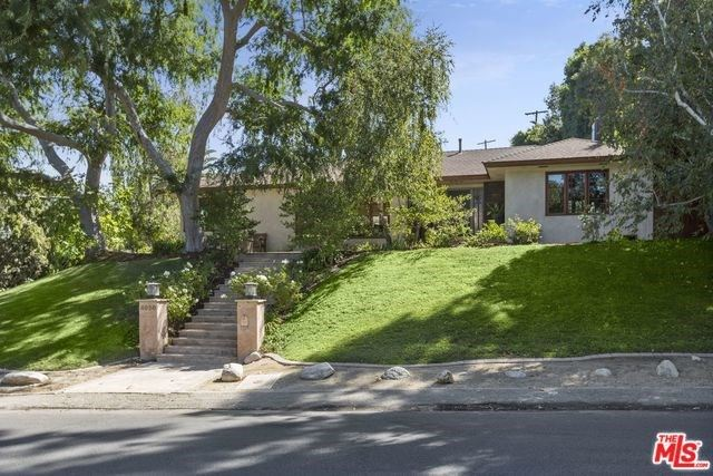 Photo for 4030 ETHEL Avenue, Studio City, CA 91604 (MLS # 19511056)