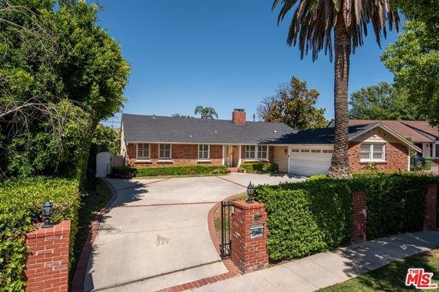 Photo of 4936 TEXHOMA Avenue, Encino, CA 91316 (MLS # 20581056)