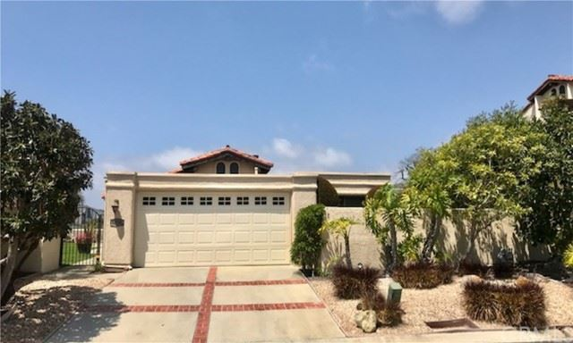 Photo of 33781 Vista Grande, Dana Point, CA 92629 (MLS # OC21088057)
