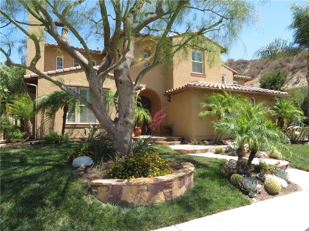 Photo for 25062 Shady Glen Court, Stevenson Ranch, CA 91381 (MLS # SR21138057)