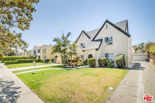 Photo of 1325 S Rimpau Boulevard, Los Angeles, CA 90019 (MLS # 21758058)