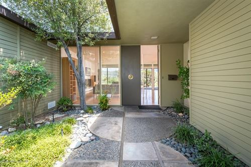 Photo of 1392 Greenmont Drive, Glendale, CA 91208 (MLS # 820002058)