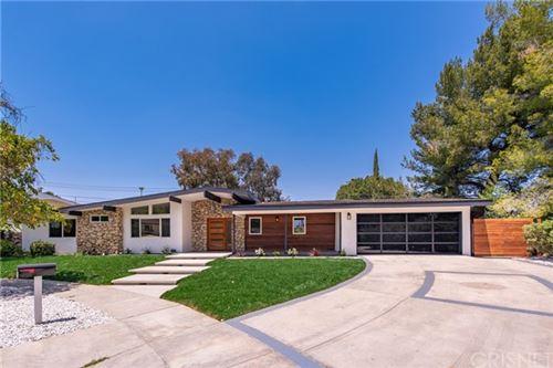 Photo of 23601 Kivik Street, Woodland Hills, CA 91367 (MLS # SR21102058)